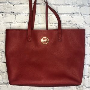 Micheal Kors shoulder tote red